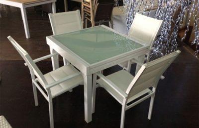 שולחן אלומיניום 90*90 נפתח ל1.80כולל 4 כיסאות מרופדים 0555