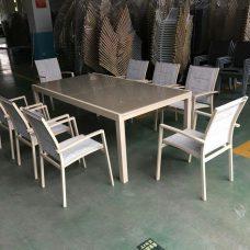שולחן נפתח אלומיניום וזכוכית מחוסמת 200-320 + 6 כיסאות 0572