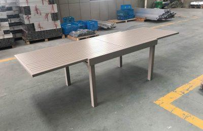 שולחן נפתח 100 % אלומיניום 1.35-2.70 רוחב 100 ללא כיסאות 0574