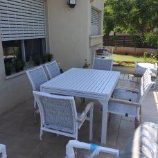 שולחן 100 % אלומיניום במידות 1.35-2.70/90 מחיר כולל 4 כיסאות 0545