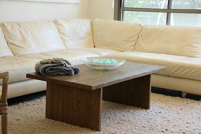 שולחן סלון דקורטיבי מעץ מלא דגם Amikam 1149