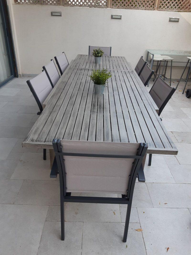שולחן איכותי מאלומיניום בצבע דמוי עץ 200-320 0548